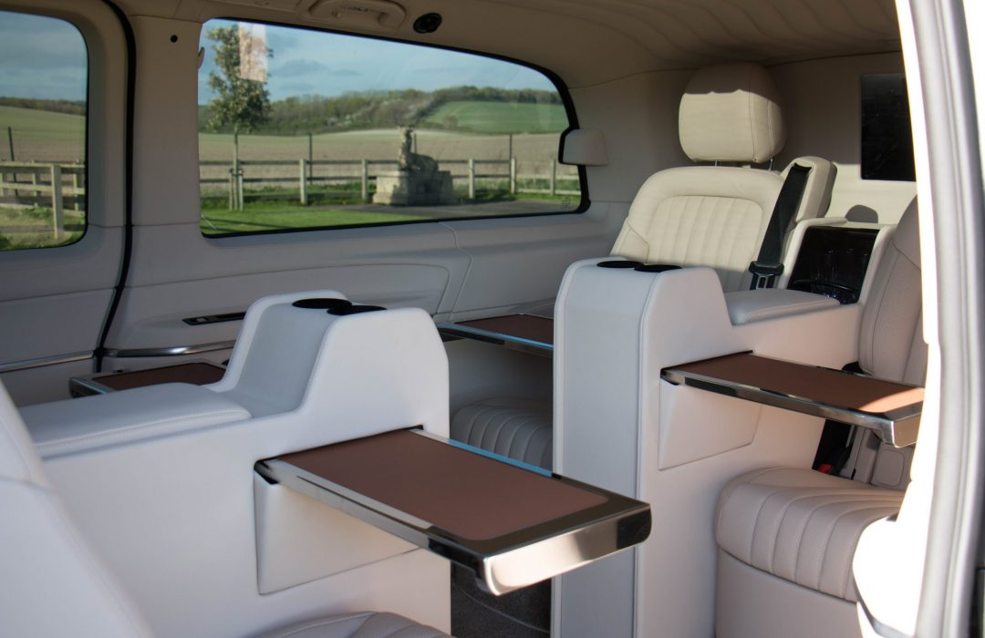 Senzati V Class Jet Class Jet Spec With Twin Cream Consoles & Leather Uppers Pic 3